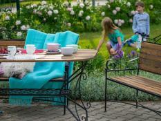 Aia- ja terrassimööbel